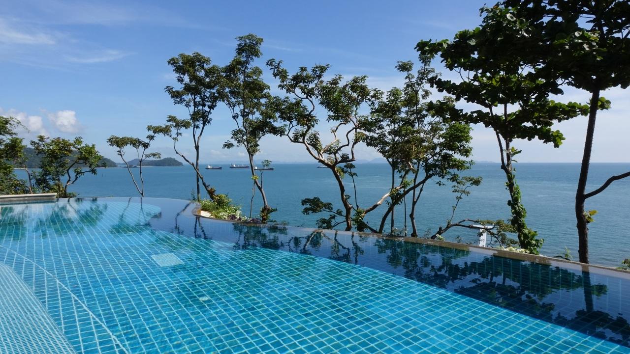 Carrelage piscine Fréjus